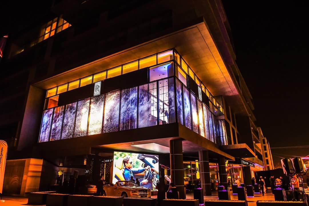 迪拜劳斯莱斯4S店P16透明屏